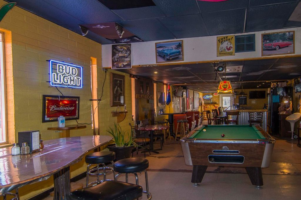 Pizza Joint Bar with pool table. Stagecoach 66 Motel